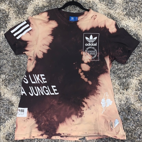 adidas Tops - One of a kind. ADIDAS Vintage T-Shirt.